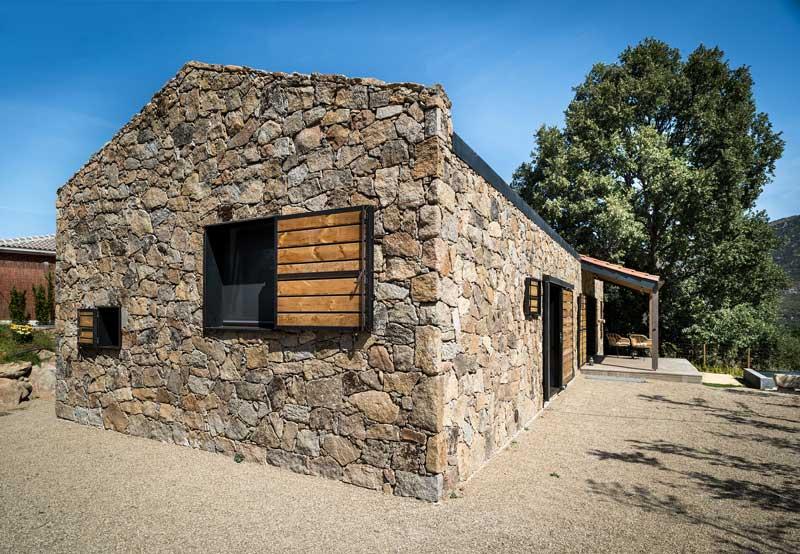 diseños de casas modernas de campo de piedra